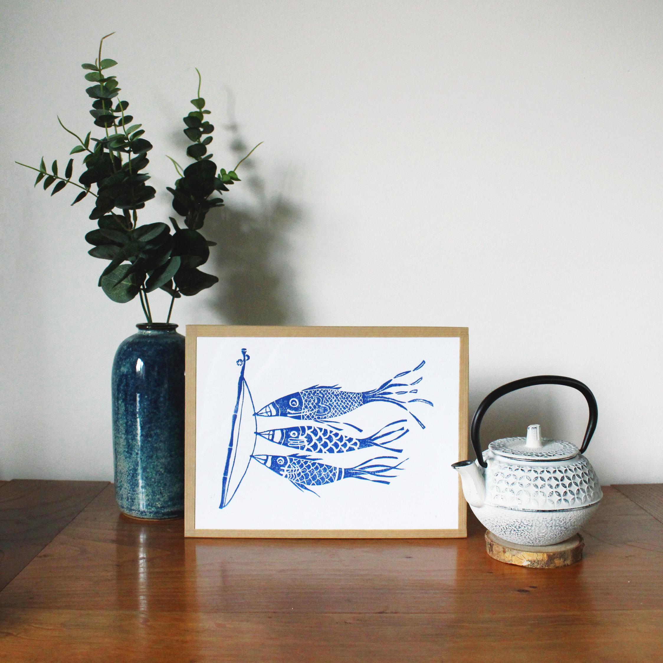 linogravure-carpes-bleues